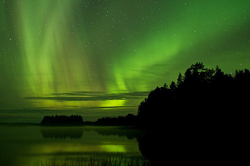 indicio:  First Auroras of 2011 (by Teemu Lahtinen)