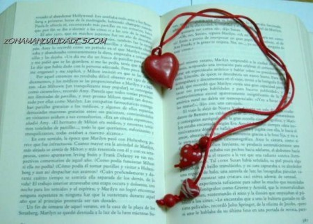 bookmark with beads.  could use gingerbread man or other beads to make this for any occasion