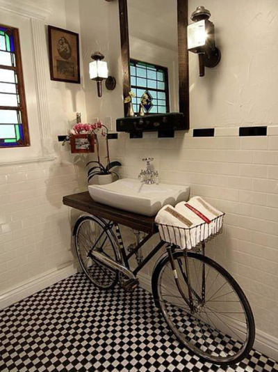 micasaessucasa:  Bicycle Bathroom Vanity