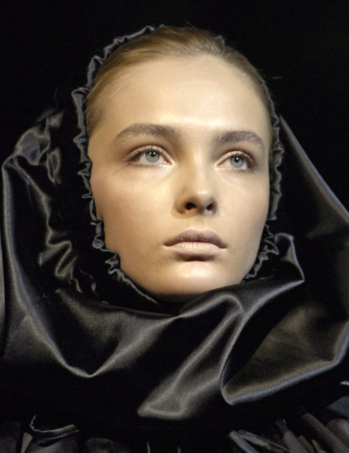 nomecalles:  Snejana Onopka at Dolce & Gabbana Ready-to-Wear F/W 2007
