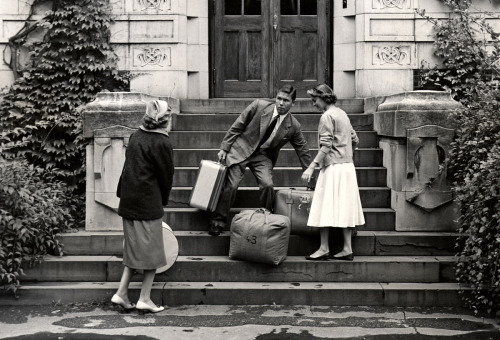 Move-in day, Jewett House, c.1950s.  August, 2011 - Vassar Homepage Archive