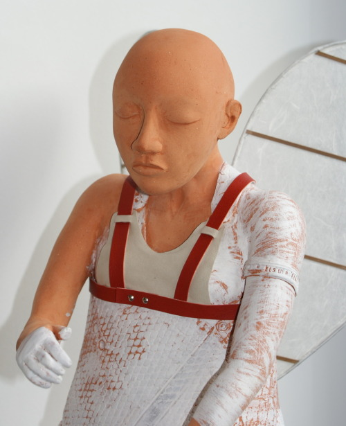 Els Wenselaers: The Mentalist, 2009, 19 x 66 x 40 cm, Ceramics, used materials