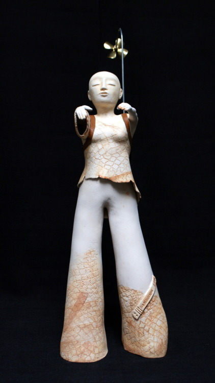 Els Wenselaers: The sleepwalker, 2010, 17 x 60 x 18 cm, Ceramics