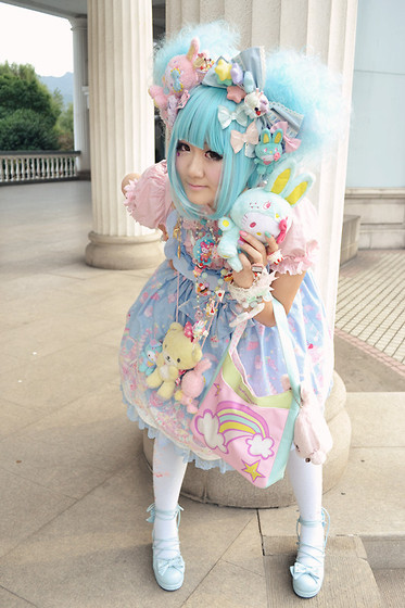 bowsandarrow:  + lolita fashion (by TINY Sue)