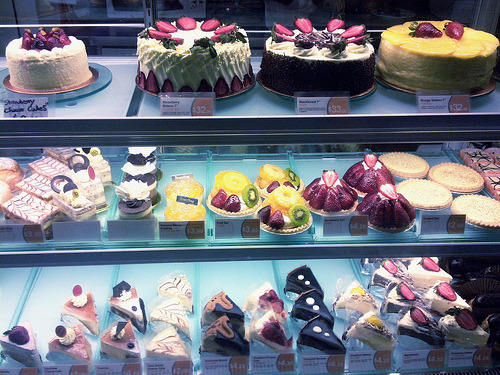diet-killers:  Dessert Display ♡ (by Tiffany Trinh)