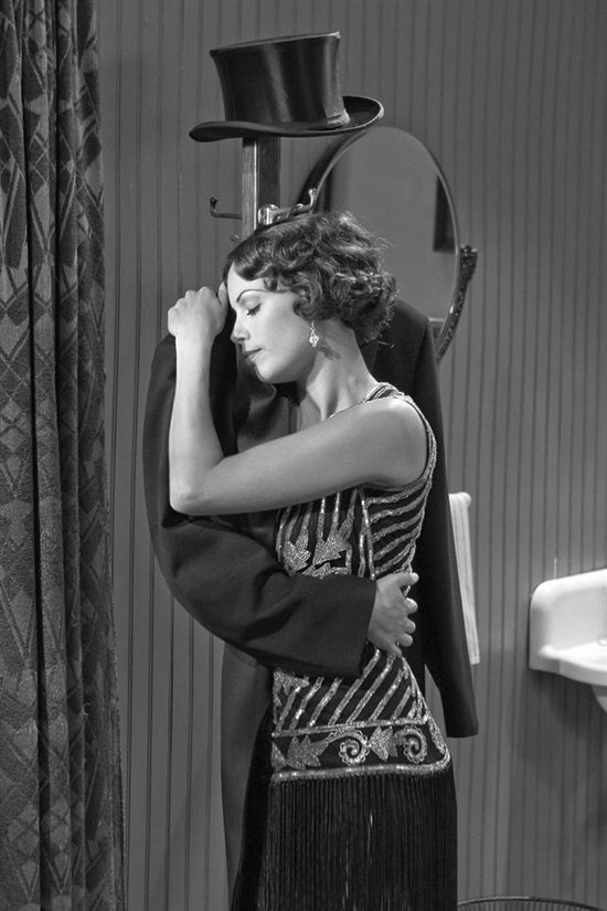 blackandwtf:  1927 Bérénice Bejo as Peppy Miller in The Artist.  (via nedhepburn)