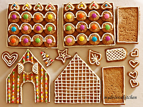 ffoodd:  (via My Diverse Kitchen: The Magic of a Gingerbread House! Daring Bakers Challenge, December 2009)
