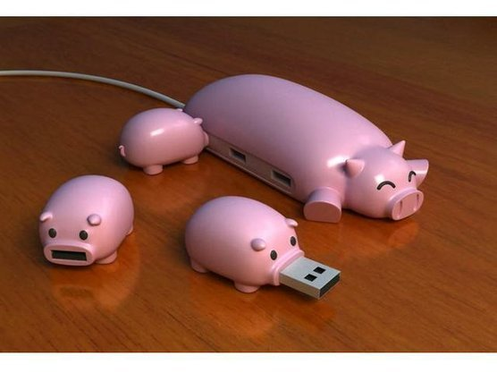 adorable :3 happythings:  happybutt: Piggy USB and USB Hub