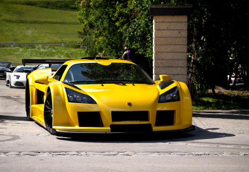 masterpiston:  2010(?) Gumpert Apollo Sport.
