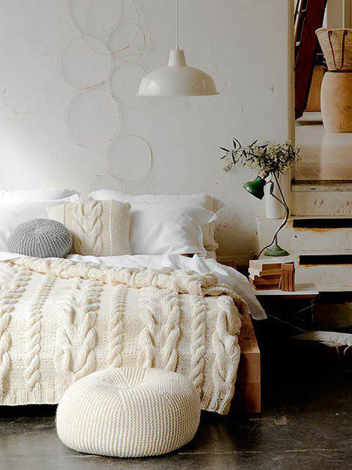 An elegant and cozy bedroom with cable knit beddring (via cosy bedroom | the style files)