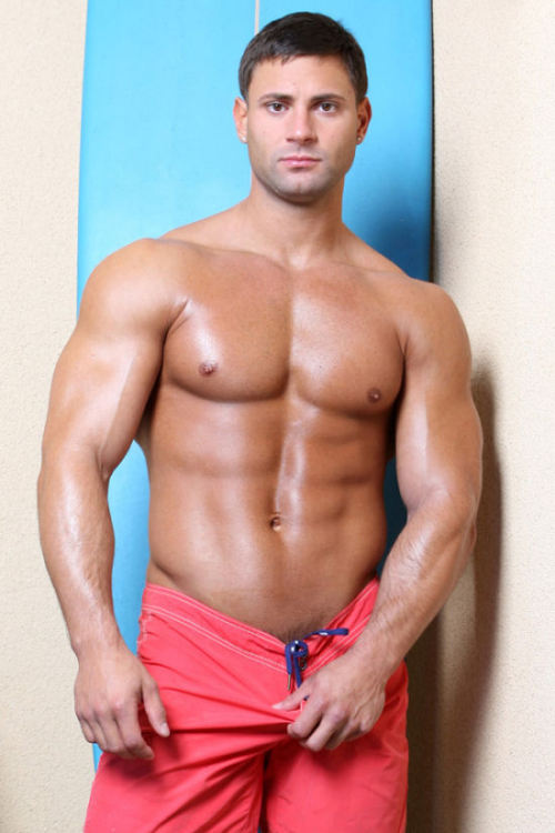 Amateur Bodybuilder / Surfer? #Hott.  #Mark_Buffalari  ||  #HunkFinder  ||  [ Gotta have a beefy muscle guy, bear, or otter in here now and then, even tho it's hott twink day today. :P ] boner-riffic:  Mark Buffalari #1