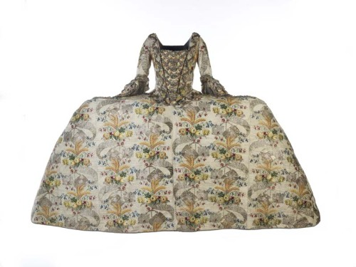 Mantua, 1751-52 England, Museum of London
