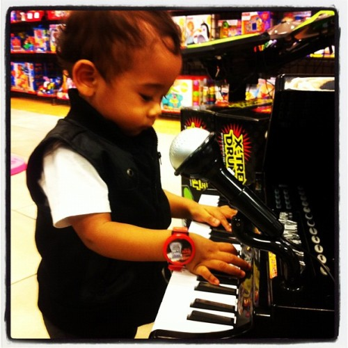 Next Ryan Leslie… Lmao (Taken with instagram)