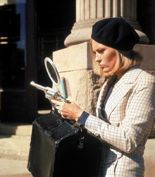 oldhollywood:   Faye Dunaway on the set of Bonnie & Clyde (1967, dir. Arthur Penn)