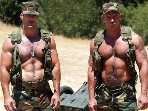 #Army #military #muscle   || HunkFinder ||