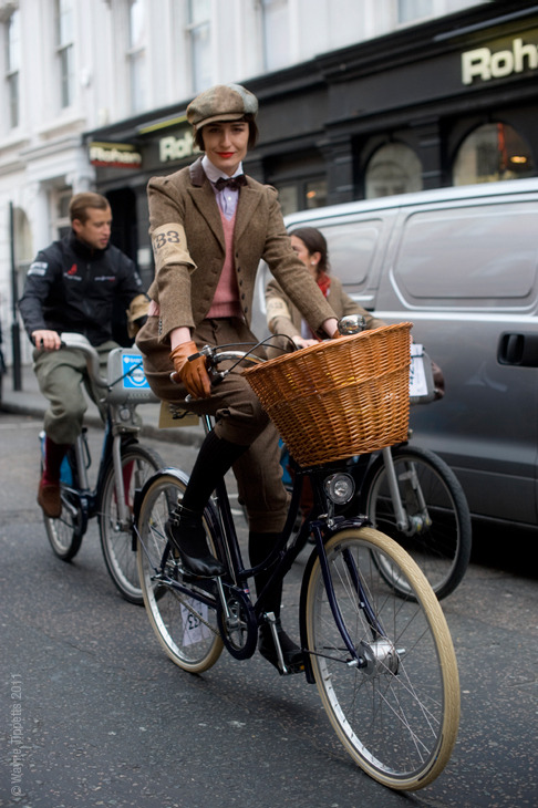 """Tweed Run"""