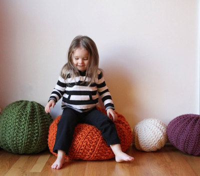 Soft-Monday. Knit pouf. From  Mary Marie Knits.