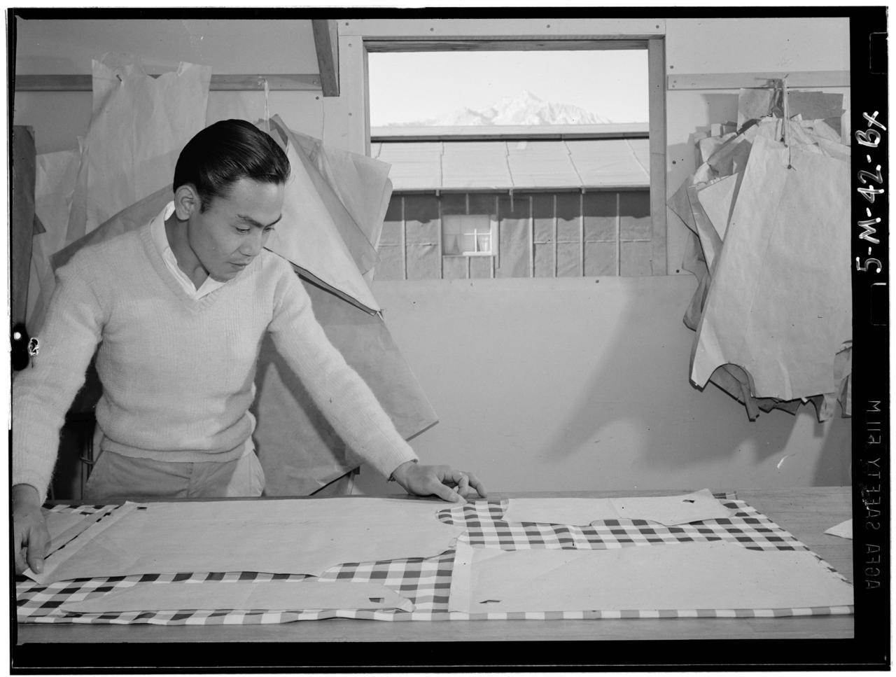Inspiring picture of the week: Ansel Adams captures Bert Miura pattern making.