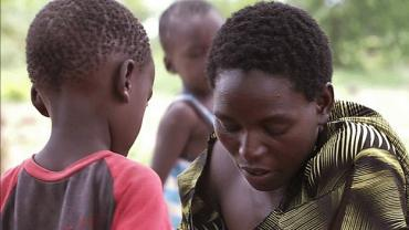 "On World AIDS Day, a mother's story tries to turn the tide in Africa When the documentary ""The Carrier"" screens Thursday to commemorate World AIDS Day, filmmaker Maggie Betts will speak to audience members from the comfort of her Los Angeles  hotel room. There, she'll be sitting in front of a webcam that  broadcasts her image and voice to moviegoers. Join us and (RED) at www.constellation.tv/carrier  Read more: http://www.sfgate.com/cgi-bin/article.cgi?f=/c/a/2011/11/24/PKMK1M0878.DTL#ixzz1f1NuowoX"