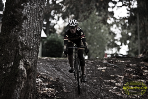jennlevo:   Oregon State Cyclocross Championships, Women's Single Speedphoto by: tracktownphoto