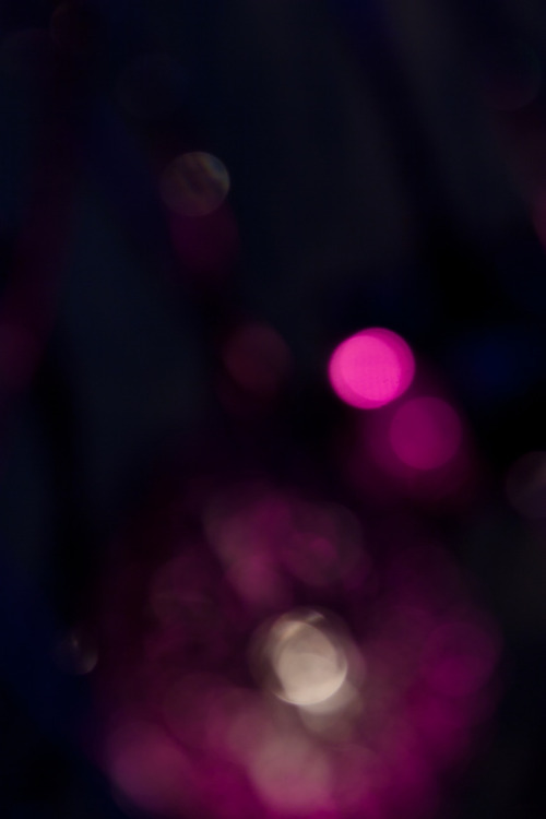 liiliiphoto:  Unfocused lights