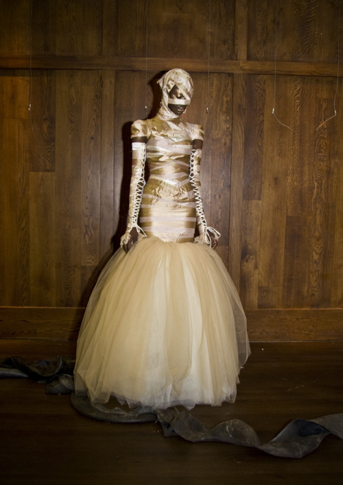 edithshead:  dress by Alex Noblefor his Soft Death collection