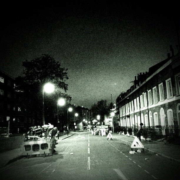 #middleoftheroad #london #bnw #blacknwhite  (Taken with instagram)