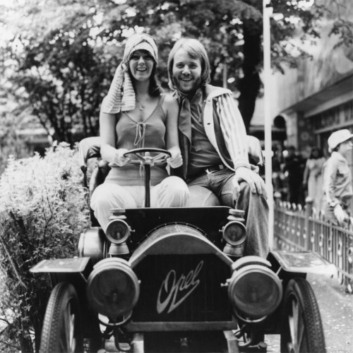 Anni-Frid and Benny of ABBA.