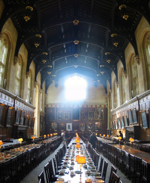 Rowling's inspiration #Oxford #HarryPotter #ttot The dining hall at Christ Church.   (Source: Arnoldo)