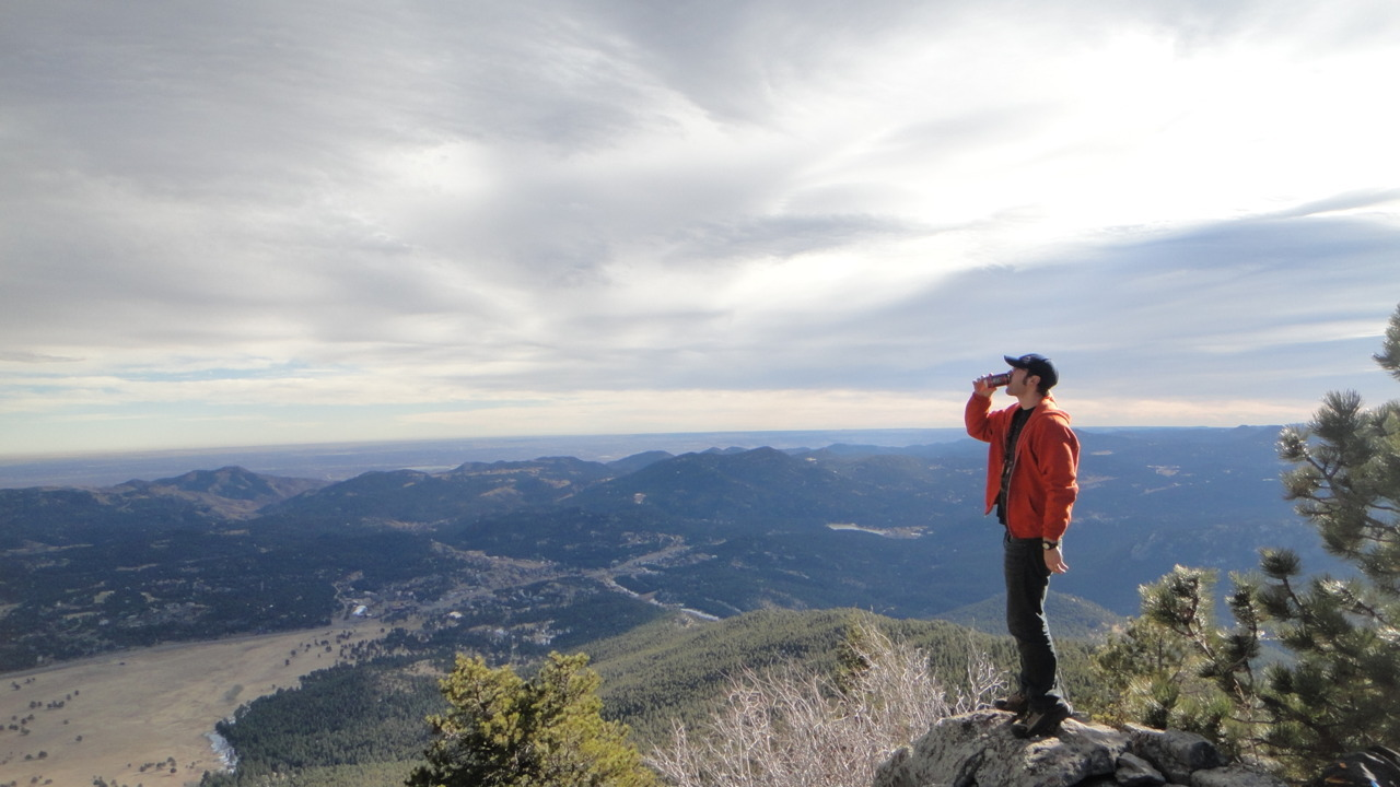 November 28th 2011 Bergen Peak - Jefferson County, CO - 9,708 ft (2,959 m) Maui Brewing Flyin' Hi.P.Hay - IPA - 6.8 % ABV GPS Track It seems as the days grow shorter and the winds colder that it is harder and harder to get up and go for a good mountain outing.  Luckily, we made time after Thanksgiving to burn off some of the extra pounds be put on.
