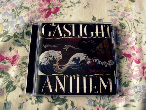 NEW CD: The Gaslight Anthem - Sink Or Swim [2007] I just ordered this online a few weeks ago just because I didn't have it but now I do. End of story!