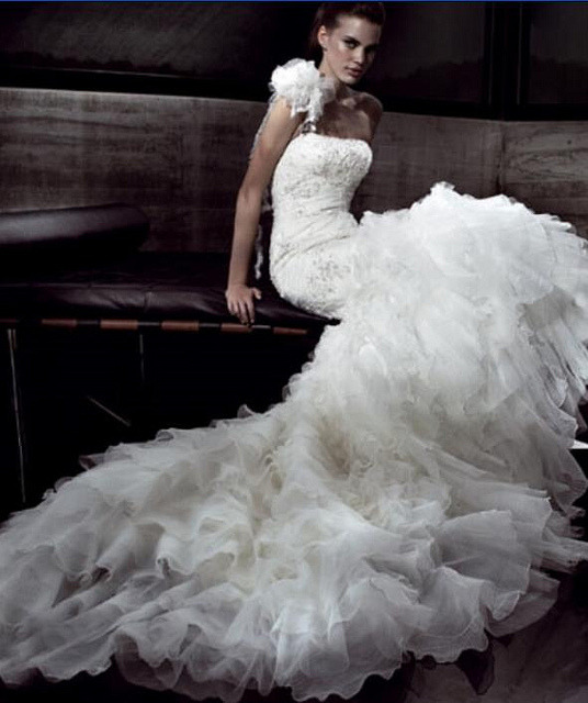 wedding dress by boncyboutique.com on Flickr.
