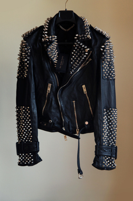 epitomeofperfection:  GET IN MY CLOSET.  i want so bad.