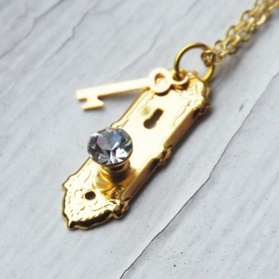 (via Alice in Wonderland Golden Doorknob and Key by BabyLovesPink)