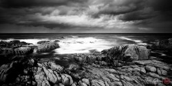 johndunnephotography:  (via A Donegal Seascape | Storm Clouds and Crashing Waves – Donegal, Ireland)