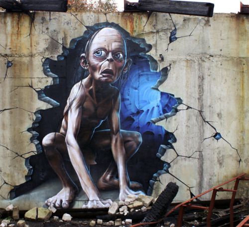 ianbrooks:  My Precious… Street Art by SmugOne (via: Obvious Winner)