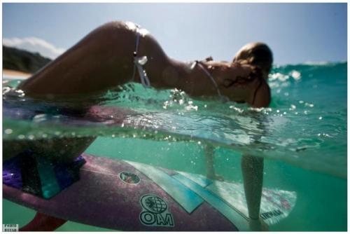 Marinerassurferas 18: Anastasia Ashley and her perfect duckdive