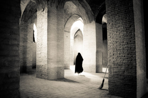 Jameh Mosque of Isfahan photographed by Peter Hoffmann The is some gorgeous brickwork on the vaulted ceiling.