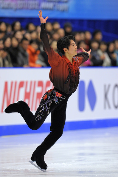 A rather ornate costume from Tatsuki Machida at the 2011 NHK Trophy.