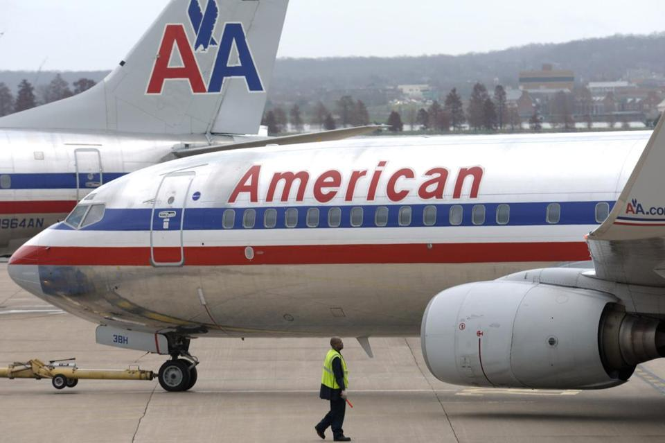 American Airlines bankruptcy could lead to holiday deals - American Airlines' parent company filed for bankruptcy this morning as it tries to cut costs and unload debt following years of high fuel costs and labor struggles.