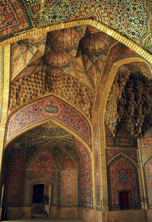 misericardia:  North Iwan of the Nasir al-Molk Mosque Shiraz, Iran