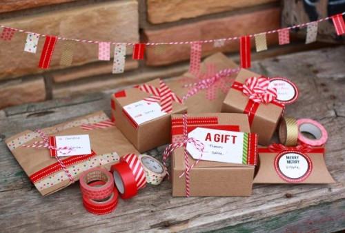 sweepmeup:  Washi tape gift wrap ideas