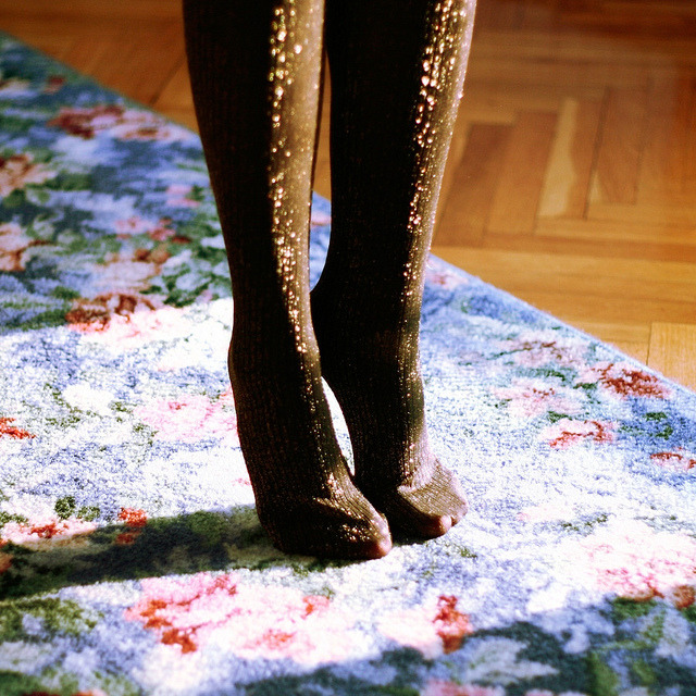 sleeping-on-his-side-of-the-bed:  party tights by *Nishe on Flickr.
