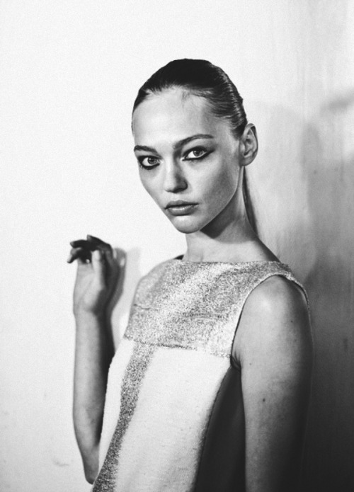 Progressions 4  ialu:  Sasha Pivovarova in Giambattista Valli shot by James Bort