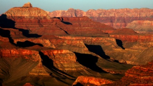 mothernaturenetwork:  90,000 petition for bottle ban in Grand CanyonNational Park officials and environmentalists go head to head in the battle to keep plastic bottles out of the Grand Canyon.