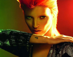 Kate Moss as Bowie by Mert & Marcus for Vogue Paris December/January 2011.2012  left: UK Vogue May 2003 Kate Moss by Nick Knight