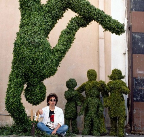 suicideblonde:  Tim Burton in the set of Edward Scissorhands