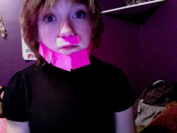 I found sticky notes, holla~