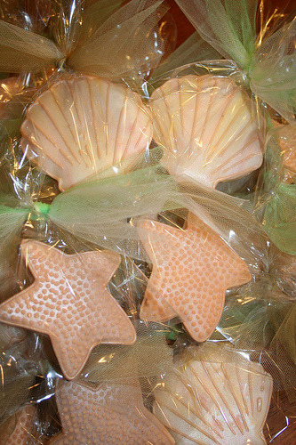 Seashell & starfish wedding favor cookies (by BennysBakeryCakes)