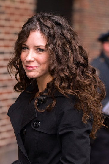 evangeline lilly long brown curly hair